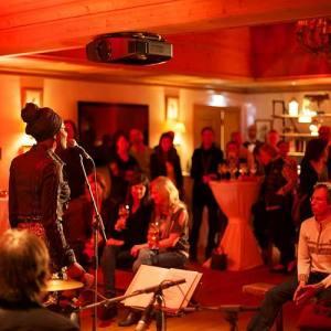 Tanzcafé Arlberg | Bergland Appartements