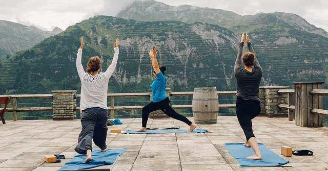 Yoga 108 Sonnengruß Flash Treffen