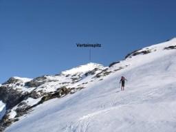 Joe mit Blick zum Gipfel