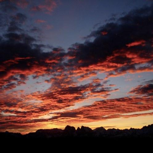Sonnenaufgang über Lang- und Plattkofel