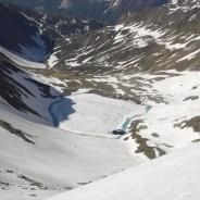 Der Eisbruggsee ist noch fast ganz zugefroren