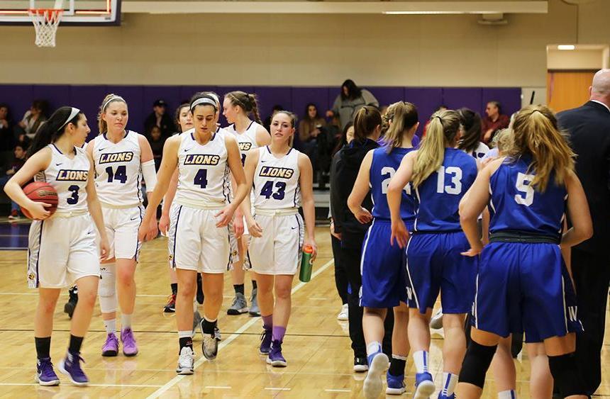 Women's basketball clinches NEWMAC playoff spot