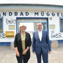 Erweiterung: Kulturstaatsministerin Grütters und Bezirksbürgermeister Igel im Strandbad Müggelsee