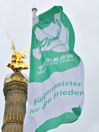 Bildvergrößerung: Bürgermeister für Friedensflaggentag