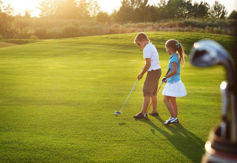 Bild Golf spielen Golfschlaeger Golfbaelle
