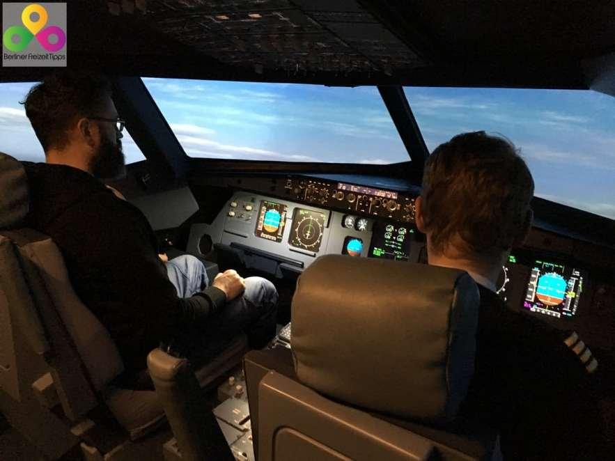 Flugsimulator Cockpit von einem Flugzeug
