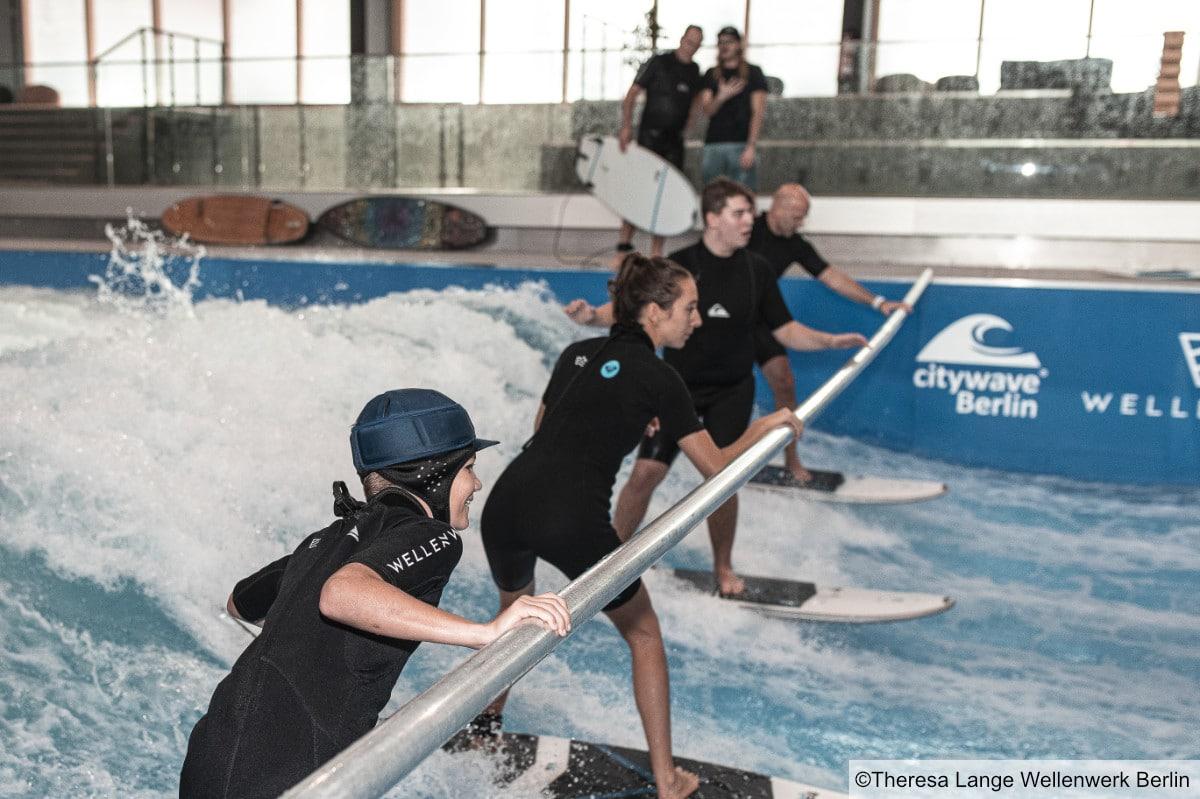Indoorsurfkurse im Wellenwerk