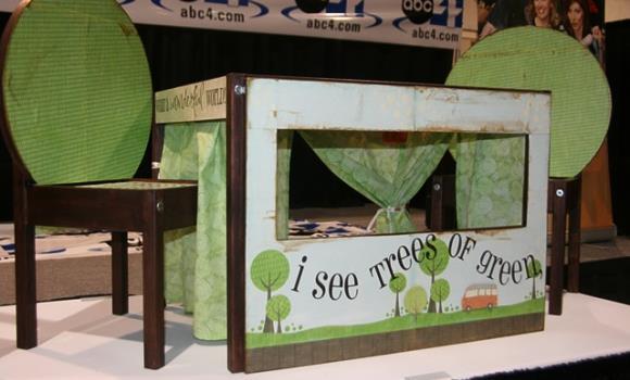 Puppentheater aus IKEA Kindertisch