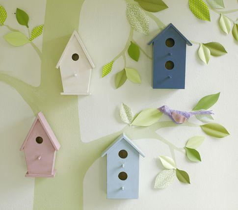 Wanddekoration mit Vogelhäuschen, gefunden bei Pottery Barn Kids