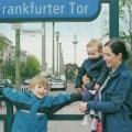 Kinder, Kiez und Latte. Mama 2.0 und ihre Stadtkinder im dm babybonus Magazin. (Fotos: Melanie Ziggel)
