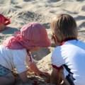 Urlaub mit Kindern: Kind 1.0 und 2.0 am Ostseestrand