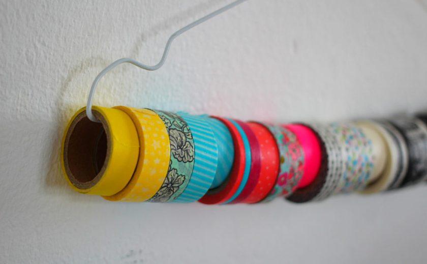 Hier ist nicht mehr viel Platz: Mein Washi Tape auf dem Kleiderbügel