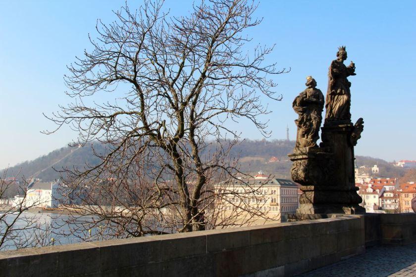 Blick von der Karlsbrücke auf den Laurenziberg