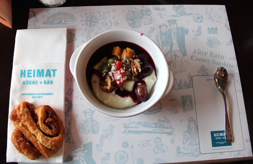 Zum Frühstück gibt's im 25hours Hotel Hamburg Hafencity Grießbrei
