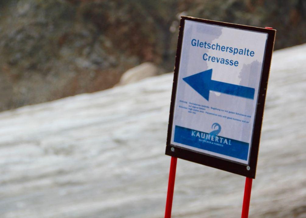 Auf dem Weg zur begehbaren Gletscherspalte.