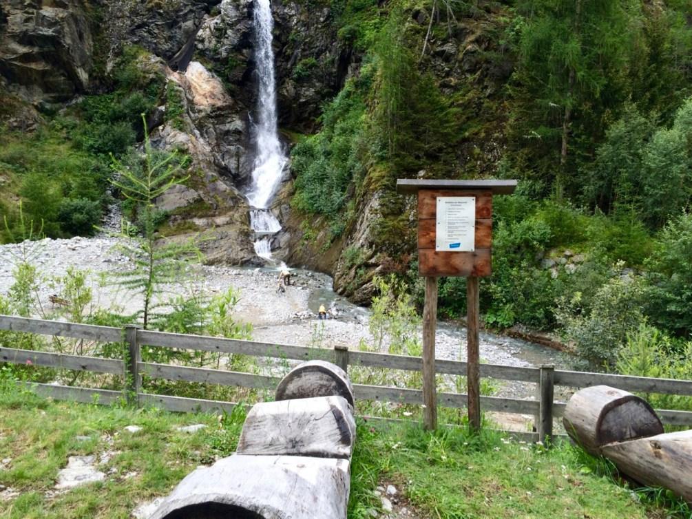 Tirol barrierefrei: Der Wasserfall in Feichten im Kaunertal www.berlinfreckles.de