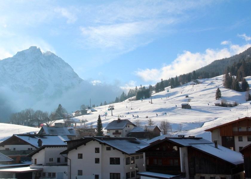 Tiroler Zugspitzarena: Traumhafter Ausblick vom Familienhotel Alpenrose