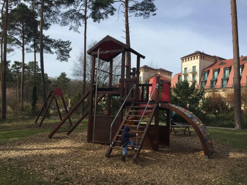 Der Spielplatz beim Arosa Resort.