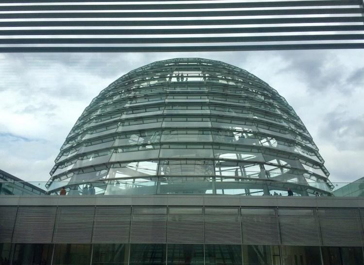 Die gläserne Kuppel des Deutschen Bundestages.