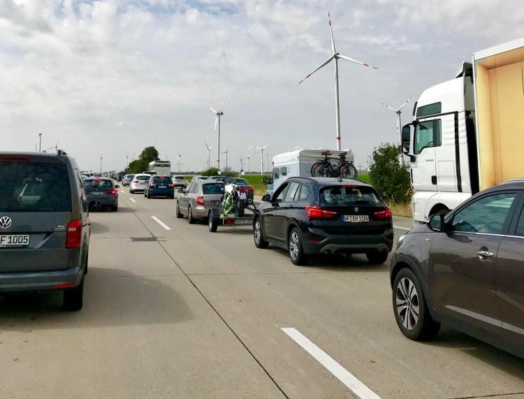 Ferienzeit: Es geht manchmal nur langsam voran auf der Autobahn.