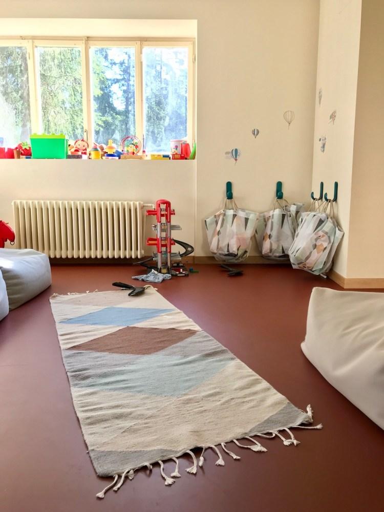 Jugendherberge Bella Lui Crans-Montana: Das Spielzimmer für Kinder auf der gleichen Etage wie der Speiseraum