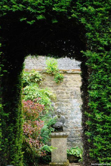 Blick aus dem Weißen Garten heraus