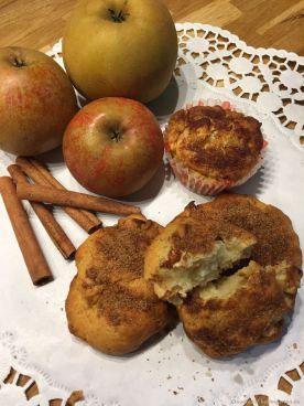 Wie die duften! Fertige Apfel-Quark-Küchlein