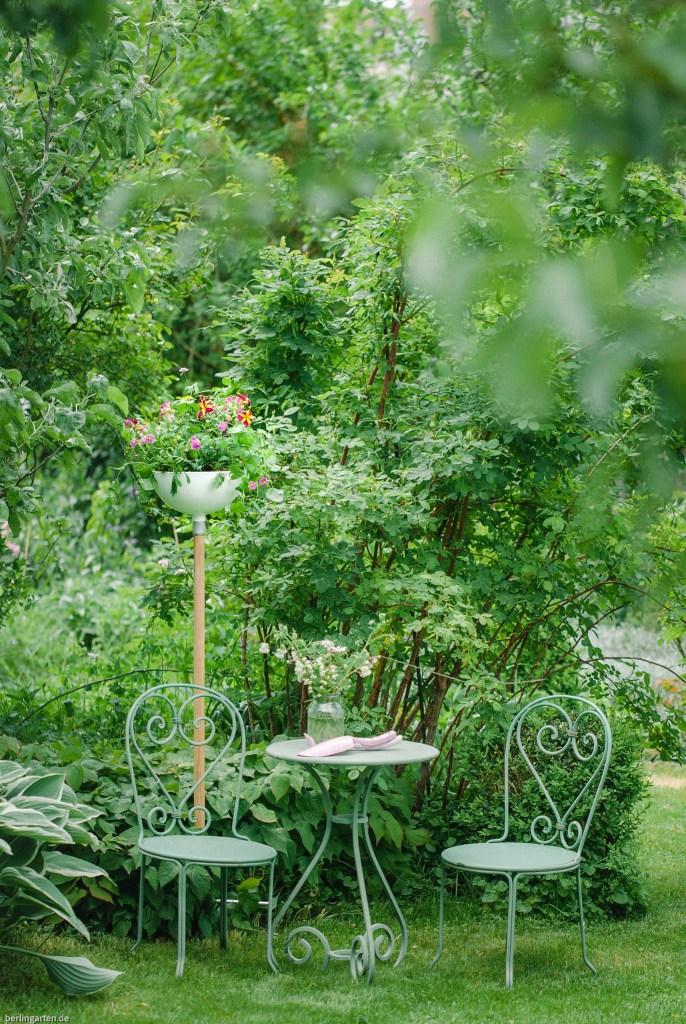 Die Pflanzschale von Gardena ClickUp! lässt Pflanzen überall dort platzieren, wo sie einen Hingucker abgeben