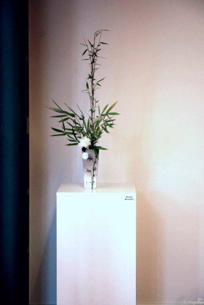 """""""Sogetsu"""" heißt """"Gras und Mond"""", hier dargestellt von Renate Murawski. Ihr Tipp: Bambus schlappt nicht, wenn man ihn in Alkohol (Korn) stellt"""