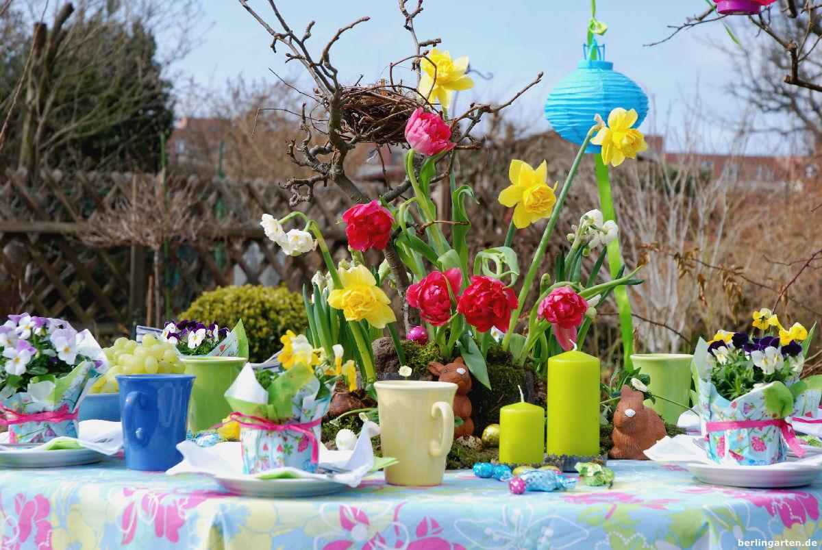 Eine Ostertafel Im Garten Schöner Als Eine Blumenwiese