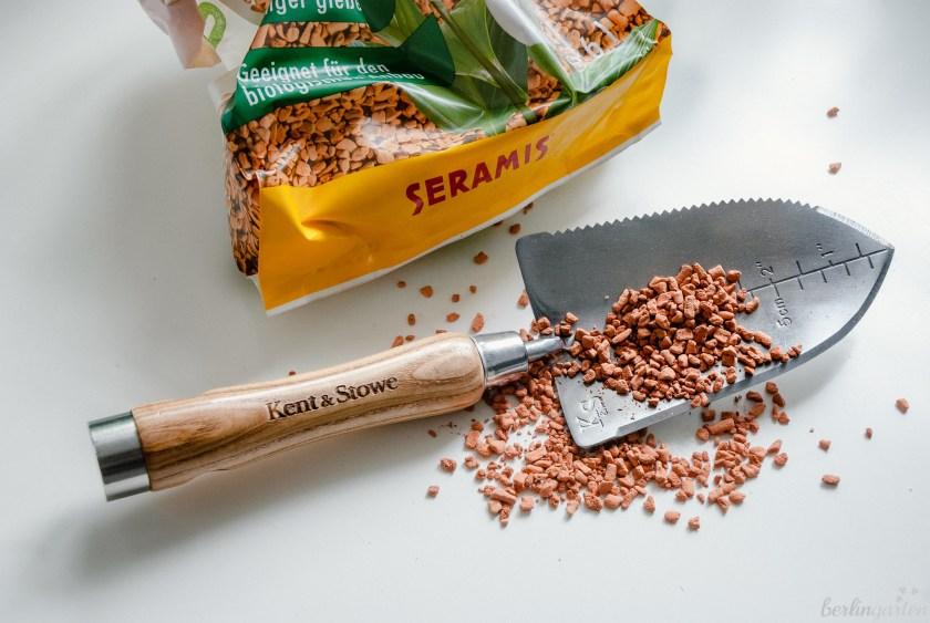 Seramis-Granulat mit Kent & Stowe Multifunktionshandschaufel