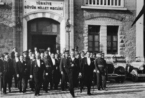 TBMM, Kürtlere Özerkliği Ne Zaman Kabul Etti - 10 Şubat 1922