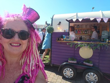 No 6 Gin Fizz, Talgarth Festival, Lady Lily the Pink, GE2019