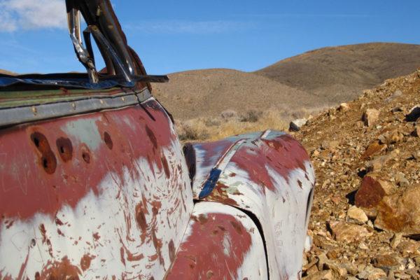 Rusty desert car