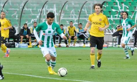 Алжирецът Амир Саюд даде ювелирен пас в 15-ата минута към Георги Андонов...