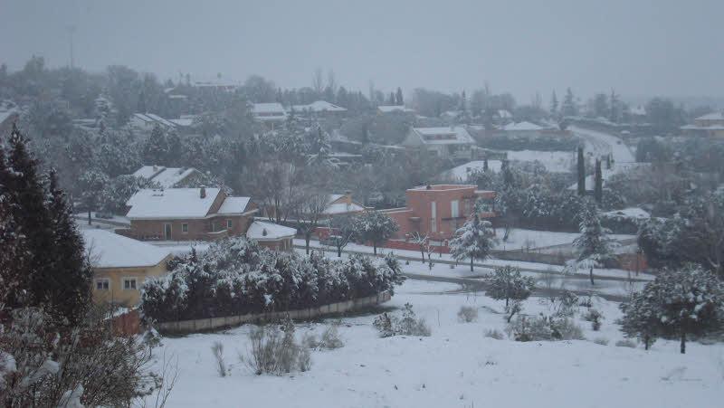 Urbanización Los Berrocales. Bajo el manto blanco