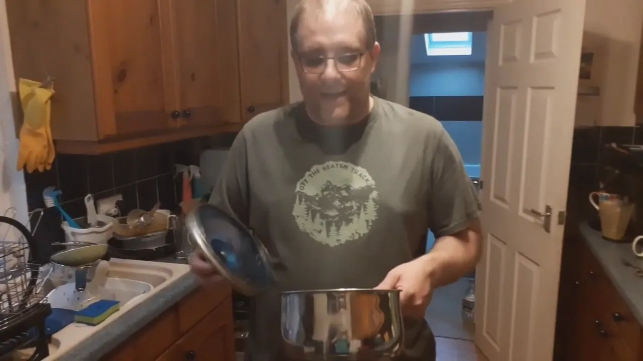 Andy B, 2 minute video, Saucepans Lids, God's Loving Discipline And Walking In His Strength, S1, E3