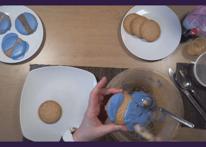 Baking with Jo Jo, Blue Iced Biscuits