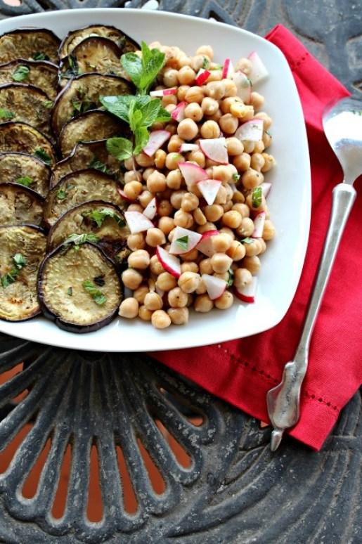 aubergine mint & chickpea salad | berrysweetlife.com