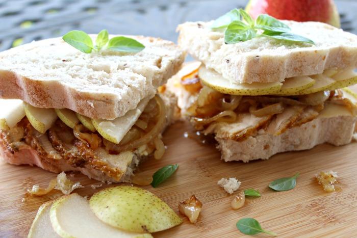 chicken caramelised onion & pear sandwich | berrysweetlife.com