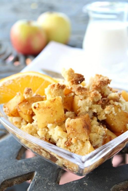 Rustic Apple Crumble with Orange Infusion (Sugar Free) | www.berrysweetlife.com