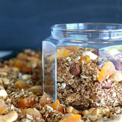 Honey Bran Granola with Almonds & Apricots