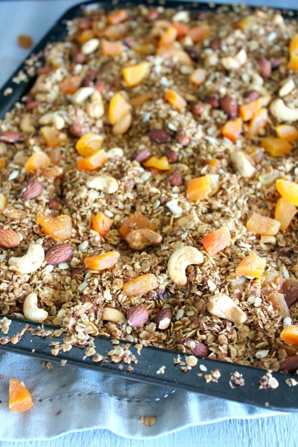 Honey Bran Granola with Almonds & Apricots. Healthy granola recipe, refined sugar free! Easy to make and very delicious. A great way to start your day! | berrysweetlife.com