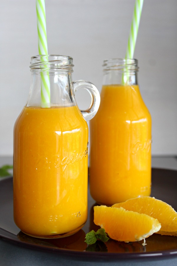 Mango Orange and Ginger Hot Smoothie. A fruity, healthy & tasty hot smoothie for chilly mornings. Your whole family will love these! | berrysweetlife.com