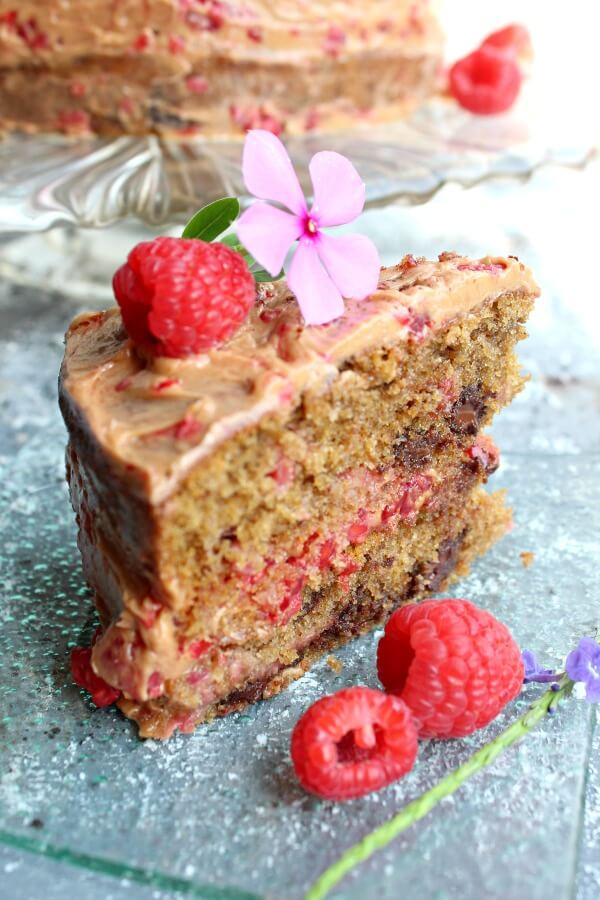 Chocolate Chip Raspberry Coffee Cake. A DELICIOUS and indulgent cake perfect for special occasions. It's easy to make and only takes 25 minutes to cook!   berrysweetlife.com