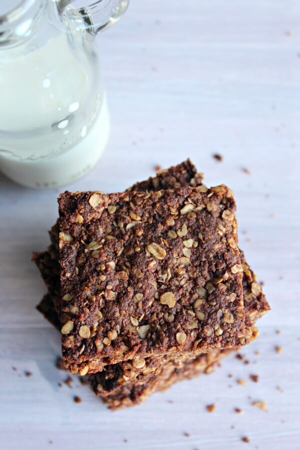 Chocolate Peanut Butter Crunchies. The most delicious oat-y cookie on the planet! They're done in 30 minutes & no one can say no to these treats!   berrysweetlife.com