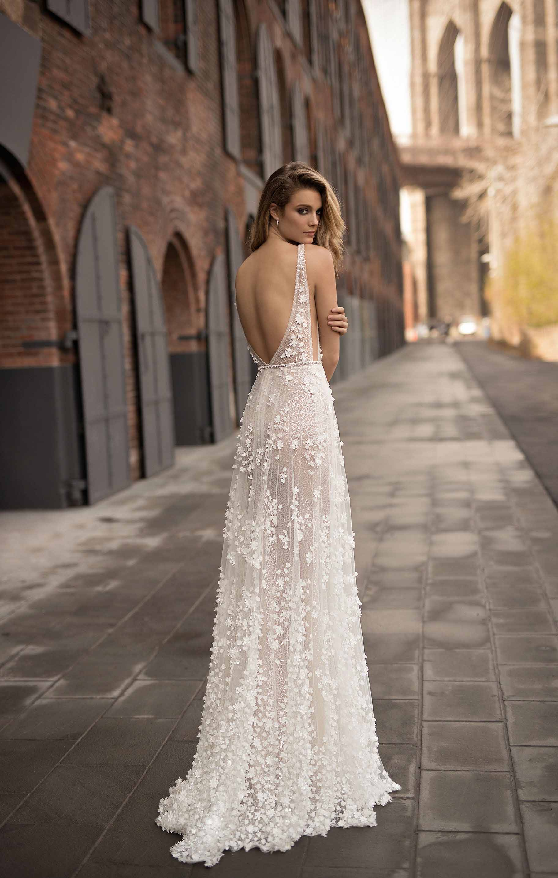 berta spring 2018 bridal sleeveless halter neck deep plunging v neck sexy romantic modified a  line wedding dress open back chapel train (5) mv