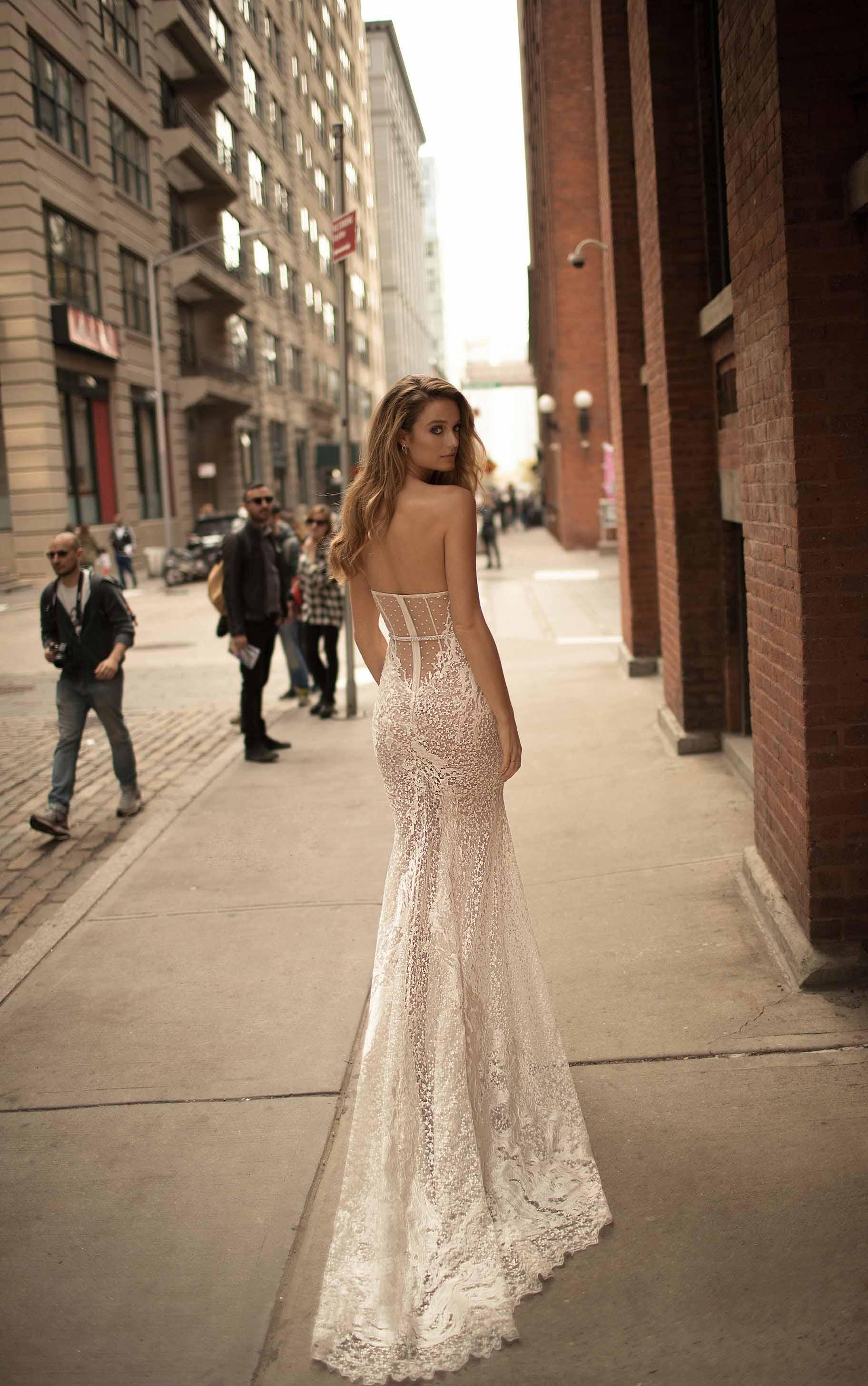 berta spring 2018 bridal strapless sweetheart neckline heavily embellished bodice bustier sexy romantic ball gown wedding dress chapel train (12) mv