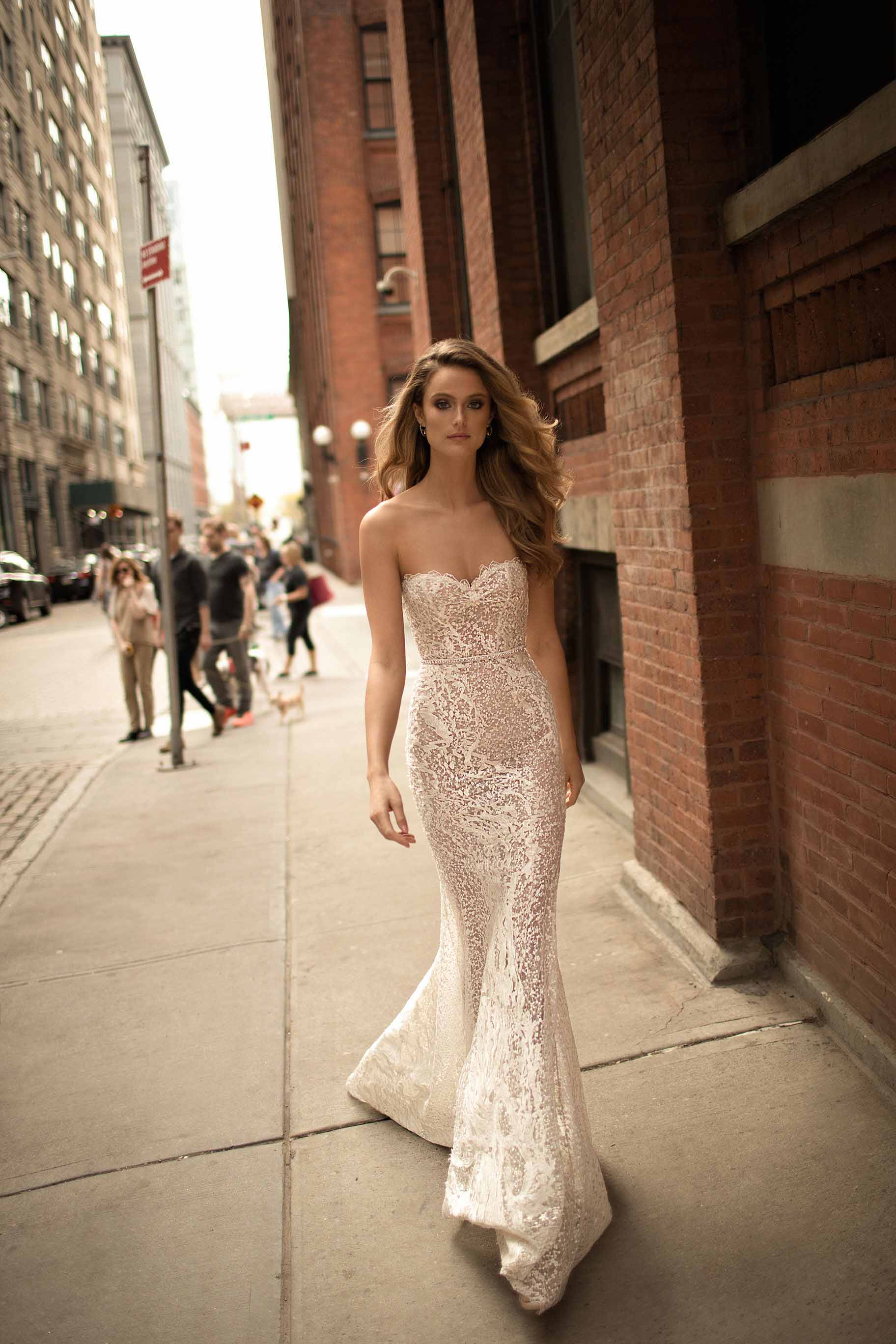 berta spring 2018 bridal strapless sweetheart neckline full embellishment elegant sexy sheath wedding dress poen back sweep train (11) bv