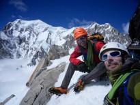 Au sommet, devant le Mont Blanc